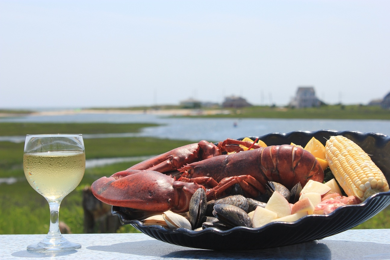 Nothing says Cape Cod like a Clambake Clambakes Cape Cod   Swan River Seafood Restaurant Dennis Port  MA  . Seafood Restaurants Hyannis Ma. Home Design Ideas